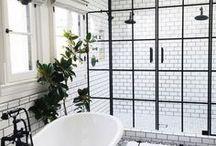 Home | Bathroom / Home bathroom inspiration for a bright and airy bathroom design.