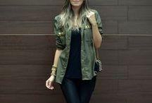 Look com jaqueta verde militar