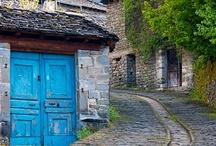 Exterior-Street-Beautiful-Travel / Exterior scenes, Beautiful sites, Travel, Photography, Streets, Street Art.