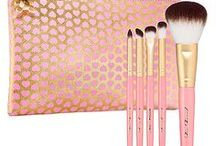 Make up & beauty products / by Carolyn Rimmer