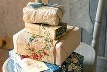 Packages / wrapping and gift presentation