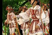 Traditional romanian art / Traditional costumes, pottery