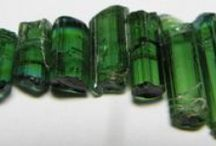 Rock in Emeralds / Emeralds are the birthstone for May and a favorite gemstone at Wick and Greene Jewelers. Here are some of our favorite pins celebrating the timeless gem.