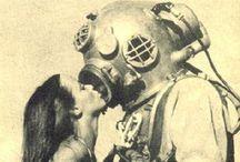 Wanna Kiss? / Besos Besos Besos