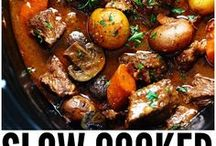 Slow Cooker Meal Ideas / Slow cooker, crockpot meal ideas. Freezer meals, dump meal recipes.  Set it and forget it.  Easy meal ideas.