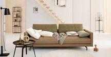 hülsta sofa hs.414 / hülsta sofa hs.414 Sofa über tief / Loungesofa /  weicher Superior Sitzkomfort / Materialmix: Leder Mark olive grau Stoff Diane olive / made in Germany