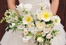 Bouquets & Flowers / Wedding bouquets and flower inspiration / by Mountainside Bride