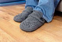 Yarn wearables / Shawls, coats, slippers