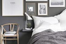 Deco gris et noir / Black and Grey Interior / Découvrez ma sélection d'ambiances d'intérieur pour une décoration qui vous ressemble ! Des bonnes idées dans les tons gris et noir pour votre #homesweethome A retrouver aussi sur www.lelabonet.com