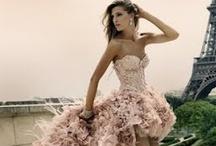 Pretty Dresses  / by Nicole Goggins