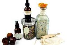 Au Naturel / DIY herbals, natural medicine, natural beauty products / by Debbie Lauzon