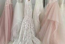 Inspriratie / Prachtige foto's die ons inspireren de prachtigste jurkjes voor bruidsmeisjes te ontwerpen   Tags: Trouwen, bruiloft, bruidsjurk, bruidsmeisjes