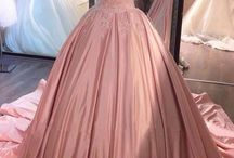 Prom ideas / I know prom is a long time away but I like to be prepared
