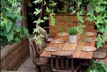 How Does Your Garden Grow? / yard oasis / by Karen Halaszyn