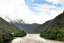 """Cañón del Chicamocha  """"Una belleza natural para el mundo""""  / Santander le ofrece al mundo uno de los lugares más imponentes y majestuosos por la profundidad del cañón y la fascinación que genera su paisaje. Estuvo entre los 261 lugares nominados para elegir las Siete Maravillas Naturales del Mundo."""