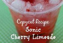 Copycat Recipes / by Lisa Vineyard