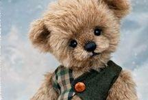 THREE O CLOCK BEARS / Beautiful teddy bears by Three O Clock Bears