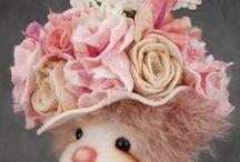 BEAR  TREASURES / Beautiful Teddy bears by Melanie Jayne for Bear Treasures