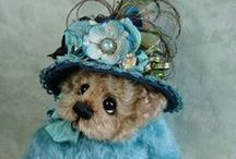 HAGER  BEARS / Beautiful teddy bears by Donna Hager for Hager bears