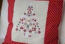 Noël point de croix /Christmas crossstitch / Ici, vous trouverez un assortiment d'idées brodées pour Noël et de grilles gratuites à broder