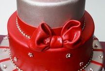 Designer Cakes / by Amy Weldon