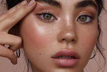 MakeupNails