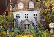 Terrariums & miniature gardens