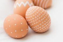Ostern - Basteln & Backen / Hier findest du kreative Ideen zum Thema Eierfärben, Anleitungen für Frühlingsdekorationen, leckere Rezepte aus der Osterküche sowie österliche Vorlagen fürs Kind.
