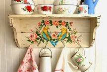 Vintage Kitchen Nostalgia / Ceramic sugar bowls, metal tea post, graphic tea towels and more - all the vintage kitchen objects you might be missing and would love to find again.