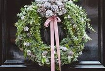 Wreath DIYs / Making a wreath is a yearly tradition in my house, but I like to vary between traditional and modern. This board is Wreath DIY inspiration for me to refer to!