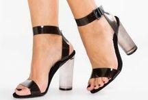 Zalando ♥ Sandali / Tutti aspettiamo l'estate per indossare di nuovo dei magnifici sandali che impreziosiranno il nostro look. Ad infradito, classici, con la zeppa o con i tacchi, scegli quello che piú adatta piú al tuo stile.