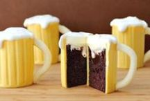 <3 Cups & Cakes / by Kimberly Berard