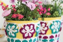 porch and patio decor / Beautiful items and designs to decorate your outdoor living space.