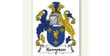 Les Kimpton de Sainte-Thérèse / Tailleurs depuis des lustres. George Kempton était un gentilhomme qui négociait les tissus à Londres et il s'associa avec: «The Merchant Taylors' Company» laquelle obtint une charte du Roi Henry VII en 1503.