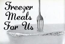 Freezer Meals / #recipes #freezermeals #savemoney #cooking / by Sara Vaughn