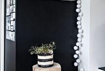 Black and White Deko / Wohnenin Schwarz Weiß   |   Auf designhaus no.9 Interiorblog findest du Tipps und Ideen zum Einrichten und Wohnen. Die Themen sind Living, Lifestyle & Wohnen mit Hund. Mit Interior und Design Ideen für Wohnzimmer, Schlafzimmer, Küche, Flur und Badezimmer.