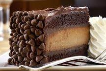 YUM! Desserts / by Brooke Jensen