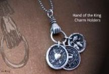 The Silver Acorn / The Silver Acorn jewelry embraces the uniqueness in all of us and celebrates the beauty of things imperfect. Understanding our desire to belong and to connect, this jewelry is created to help you share your life story, comfort those in need, or just connect with someone in your life.