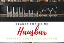 Hausbar / Wer die eigenen Hausbar austatten möchte braucht neben den Spiritosen, wie Gin, Rum, Whisky und Co. auch das passende Material, wie Gläser, Mixingzubehör, Shaker, Cocktailgläser usw.