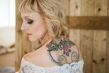 Inked Bride Inspiration / Tattooed brides look beyond amazing on their wedding day. We have the best inspiration for some insanely stunning bridal looks for any inked bride who cannot wait to walk down the aisle and flaunt her body art for all to see. These brides rocked their alternative bridal look and so can you!