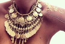 Accessories and Bling / by Natsumi Alvarez