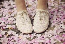 Ruhák, cipők...