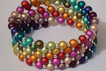 B is for Beading, Bracelets / Inspiration and decoration for your wrist.