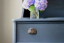 Furniture Makeovers / Beautiful thrifted furniture makeover inspiration