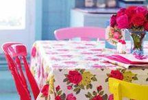 Granny chic cottage life / koti, mummoilu, sisustus, värikäs sisustus, vintage koti, colorful home, grannystyle, mökki, kesämökki, mökkeily