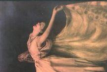 Dance Books - Libros sobre danza - Livres sur la danse / by Alejandra Georgina Laorrabaquio Saad