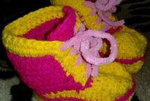 Вязаные вещи // Knitten things / Вязаные платья, кофточки, пинетки и носочки