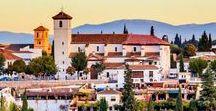 Reisen // Spanien / Das feurige Spanien hat mit seiner einzigartigen Landschaft und den tollen mediterranen Städten mit ihren geschichtsträchtigen Bauten einiges zu bieten! Sonne, Sand & Meer, feurige Pferde, Flamenco und maurische Prachtbauten in Andalusien.  Auch die Kanaren wie Fuerteventura haben einen besonderen Charme.  Reiten, Surfen, Wandern, Schwimmen.  Urlaub * Reisen * Ferien * Abenteuer * Inspiration.