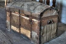 Treasure chest / by La brújula de historias