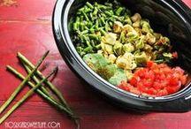 Crockpot / Slow Cooker Recipes / by Shellise Brandenburg
